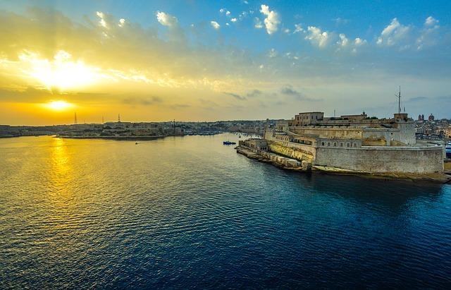Malte – Aéroport Dole